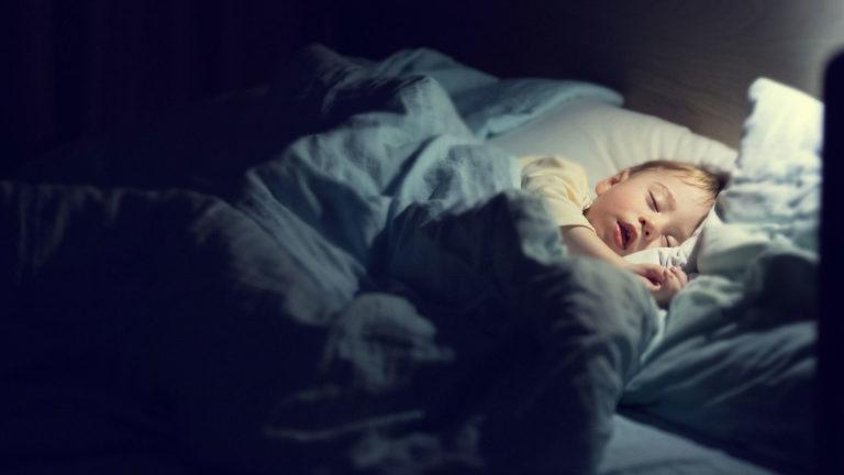 Apnee notturne e disturbi del sonno in età pediatrica: come riconoscerli